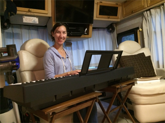 Yamaha Keyboard RV